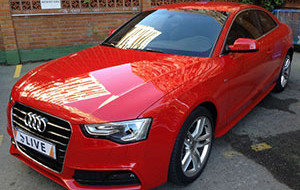 Audi rojo