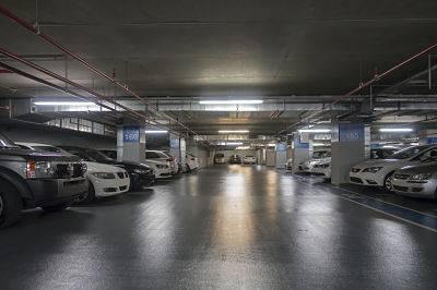 Protege tu coche de los roces en tu aparcamiento